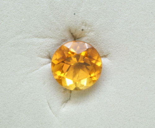 2.5mm Round Citrine (0.06 ct)