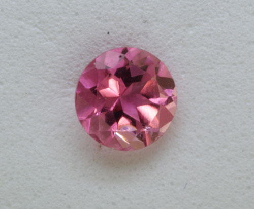 2 mm Round Pink Tourmaline (0.04 ct)