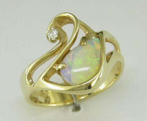 Persuasion Ring 14K Yellow Gold #2 Opal | LRPERSUAN2C