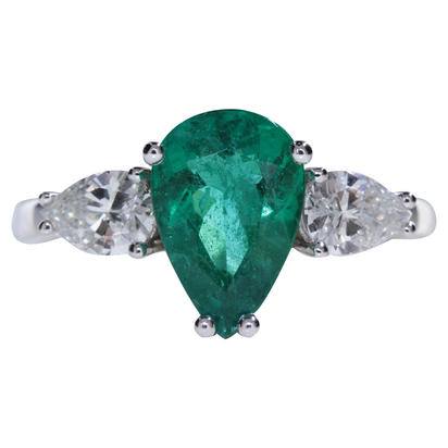 18K White Gold Brazilian Emerald/Diamond Ring | RE0PR363173Q